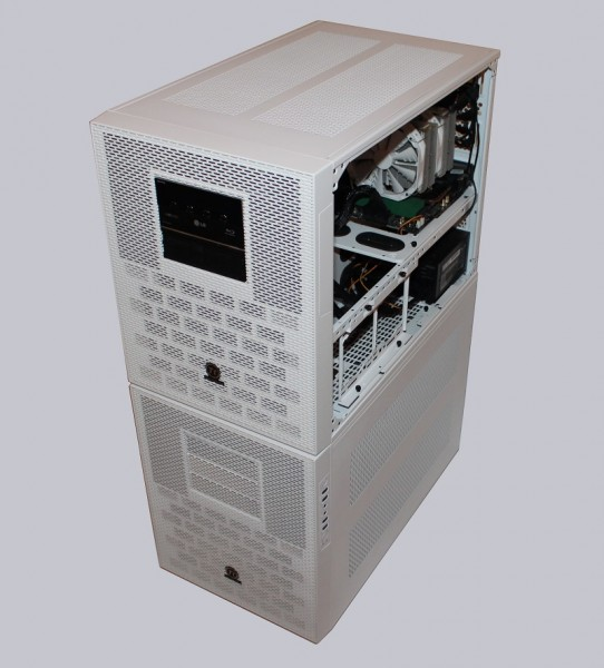 thermaltake_core_x9_snow_edition_47