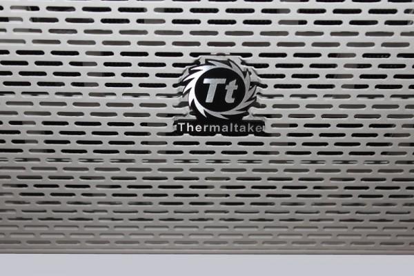 thermaltake_core_x9_snow_edition_7